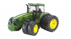 Bruder John Deere with Twin Tyres (03052)