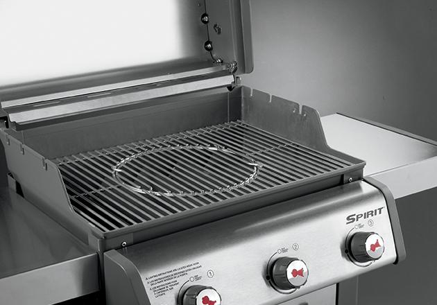 weber gourmet barbeque system spirit 300 series stainless steel grates 7586 resting at home. Black Bedroom Furniture Sets. Home Design Ideas